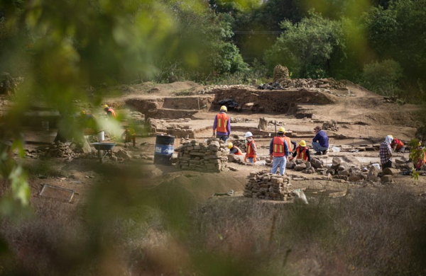 Destruyen zona arqueológica para construir comercios en Valle de Bravo