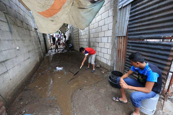 Lluvias en Guatemala dejan más de 8 000 damnificados