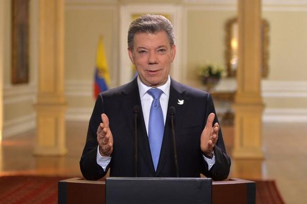Santos prorroga el cese al fuego con las FARC hasta fin de año