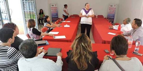 Busca ayuntamiento de Zimapán fortalecer la equidad de género