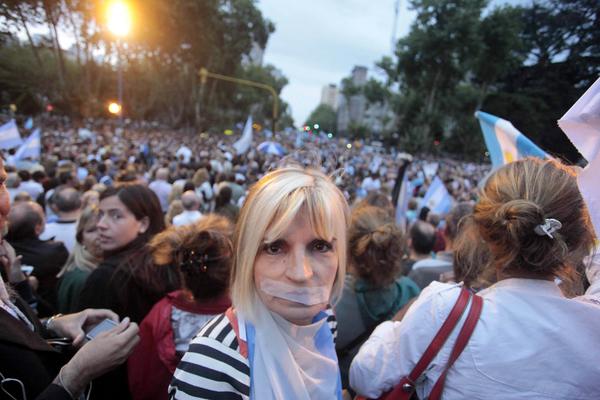Arma de Nisman da vuelco a investigación en Argentina