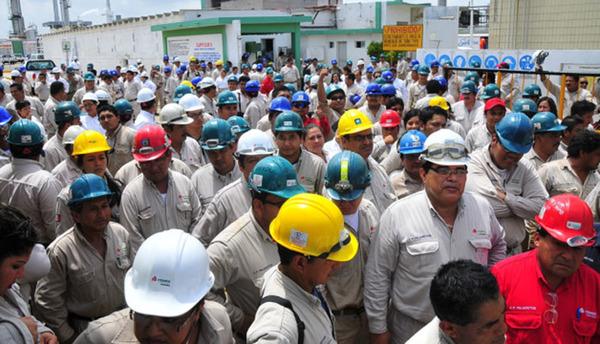Pemex cancelará 3 000 plazas de jubilados en todo el país