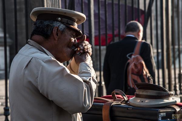 Aumenta salario mínimo a 88.36 pesos en México