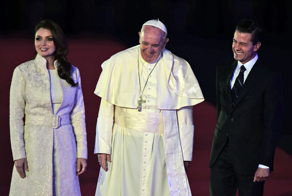 Arriba el Papa Francisco a México