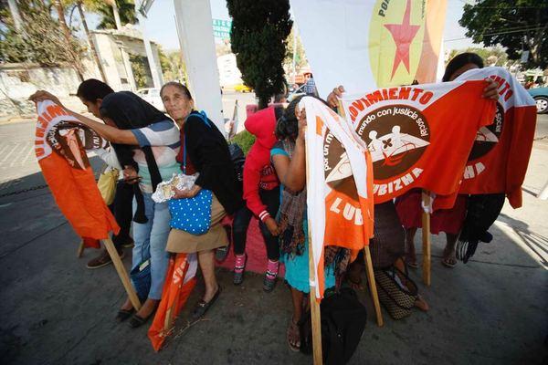 """Exige Lubizha """"respuestas"""" al Gobierno estatal con bloqueo, marcha y plantón"""
