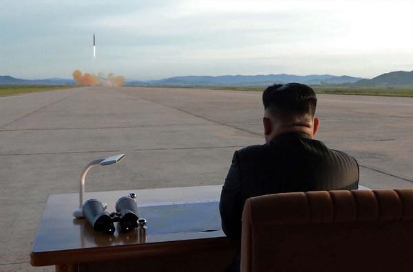 EE.UU. da mensaje de advertencia a Norcorea con bombarderos