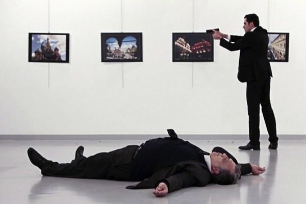 Matan a embajador ruso en Turquía