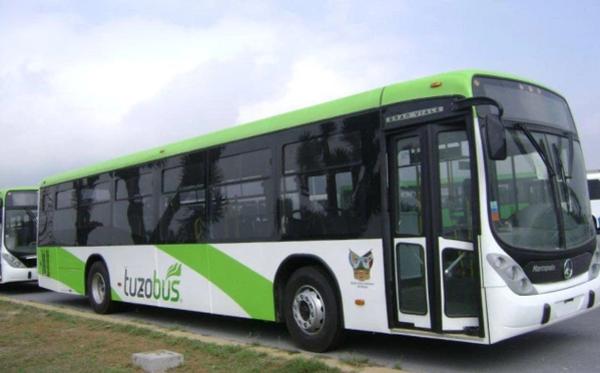 Se descompone Tuzobús frente a Galerías