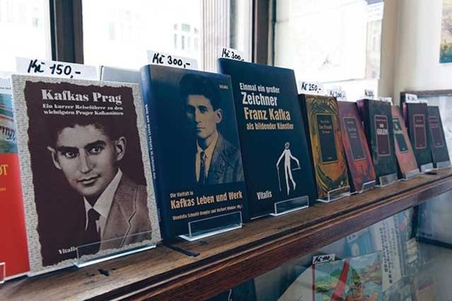 ¿A QUIÉN leen los jóvenes que leen?