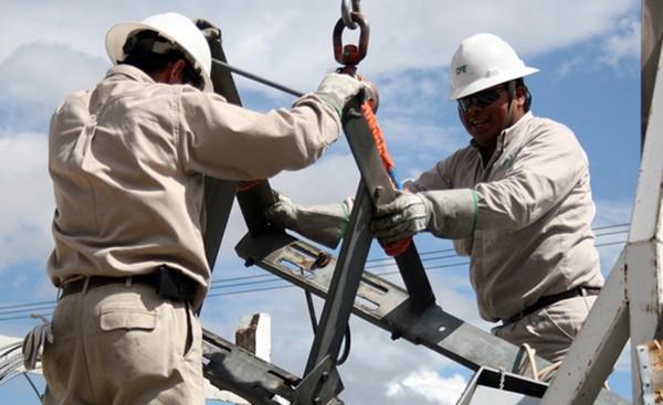Logran electricistas aumento del 7% en su revisión salarial