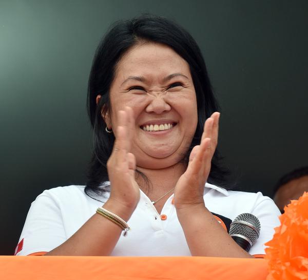 Keiko Fujimori afianza ventaja en sondeos presidenciales en Perú