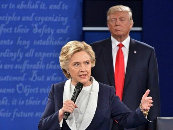 Trump supera a Clinton por un punto en un nuevo sondeo