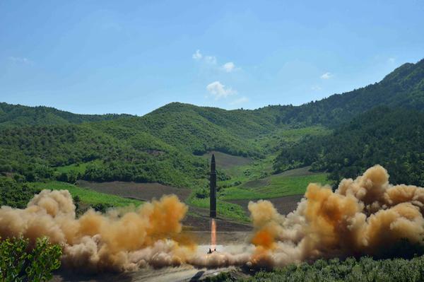 """EE.UU. dice que tratado anti-nuclear """"no hará un mundo pacífico"""""""