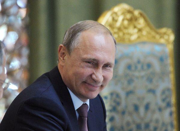 """""""¿Tiene el Kremlin a Trump en el bolsillo?"""""""