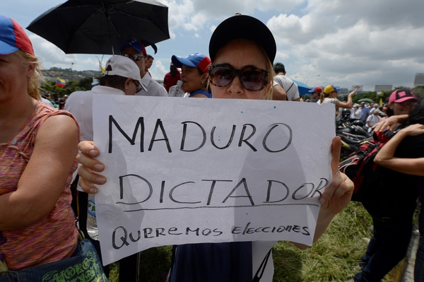 Nicolás Maduro enfrenta una huelga general en Venezuela que busca doblarlo