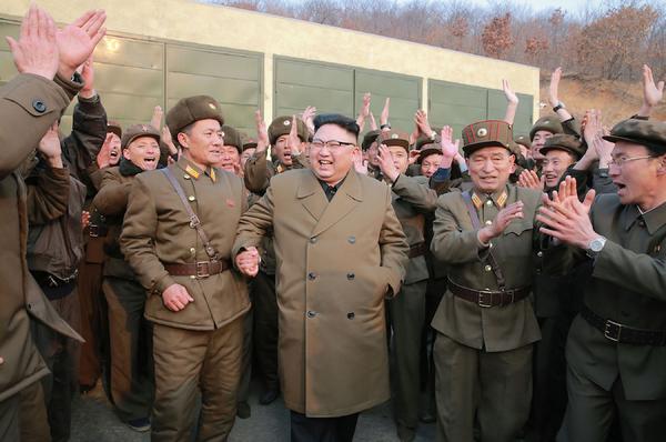 """Norcorea promete """"respuesta sin piedad"""" a provocación de EE.UU."""