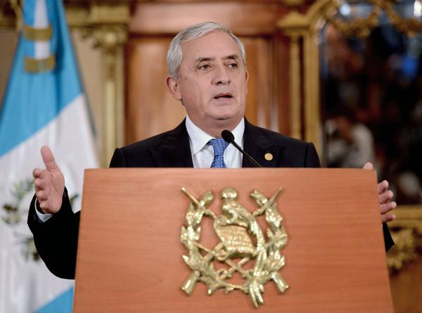 Guatemala retira fuero a su presidente para investigarlo por corrupción