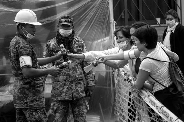 Gobierno rebasado por la sociedad (O el verdadero milagro mexicano)