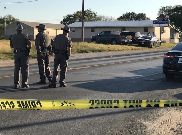 Tiroteo en una iglesia de Texas deja al menos 26 muertos