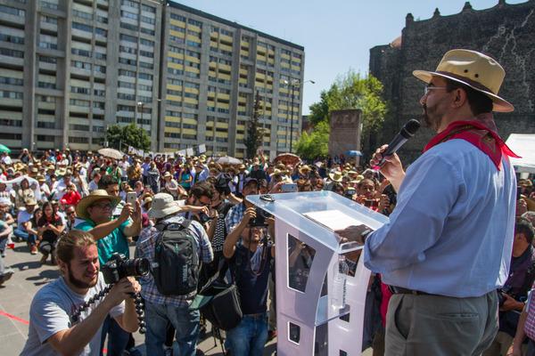 Álvarez Icaza anuncia candidatura presidencial independiente