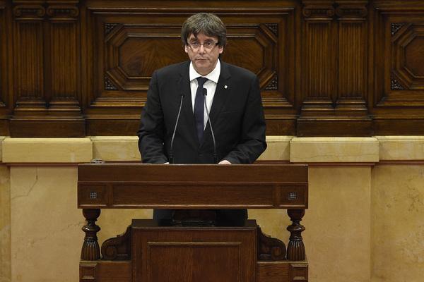 La confusa declaración de independencia de Puigdemont
