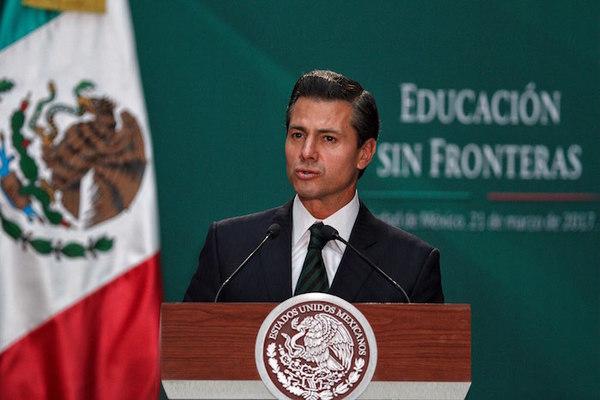 "Peña Nieto promulga reforma educativa a favor de ""dreamers"""