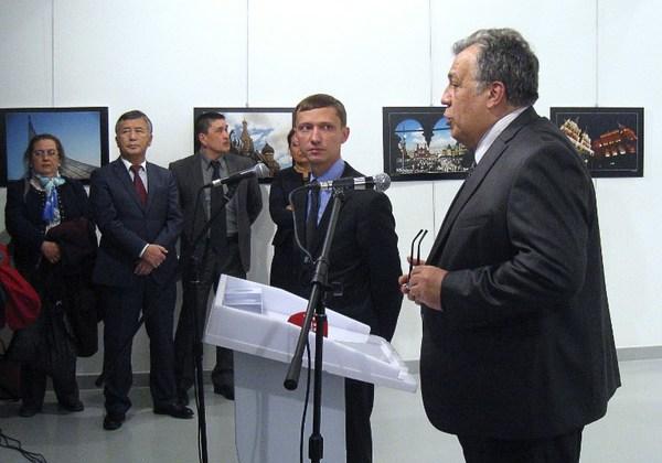 """Andrei Karlov, un """"apagafuegos"""" de la crisis Rusia-Turquía"""