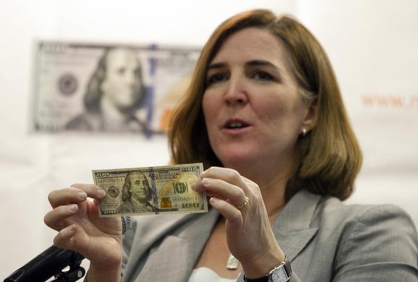 Dólar apunta a los 17 pesos y se cotiza en $16.79