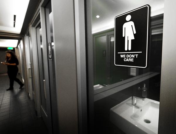 La acción de Trump contra transexuales beneficiaría a demócratas