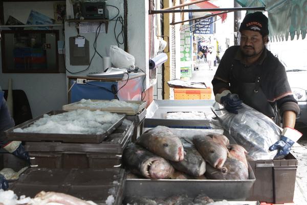 Por Cuaresma repunta 35% la venta en pescaderías