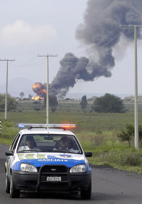 5 muertos tras explosión en gasoducto de Pemex en Nuevo León