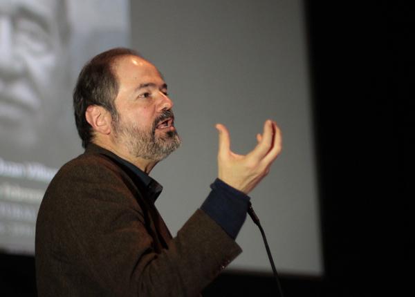 El periodismo está en crisis cuando urge la verdad: Juan Villoro