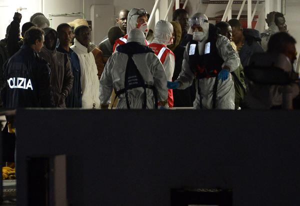 950 personas murieron en naufragio: supervivientes