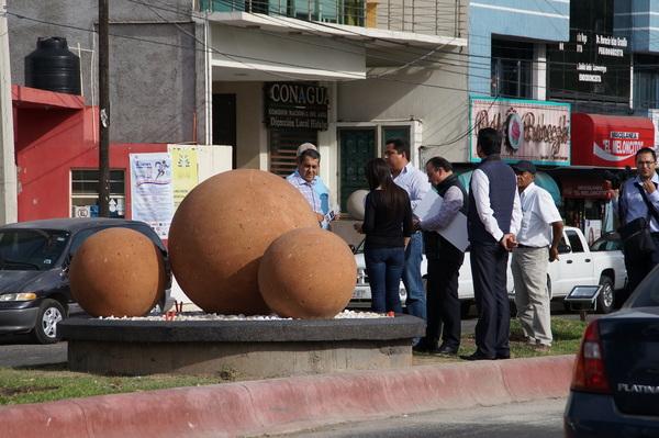 Alcalde supervisa obras en San Javier