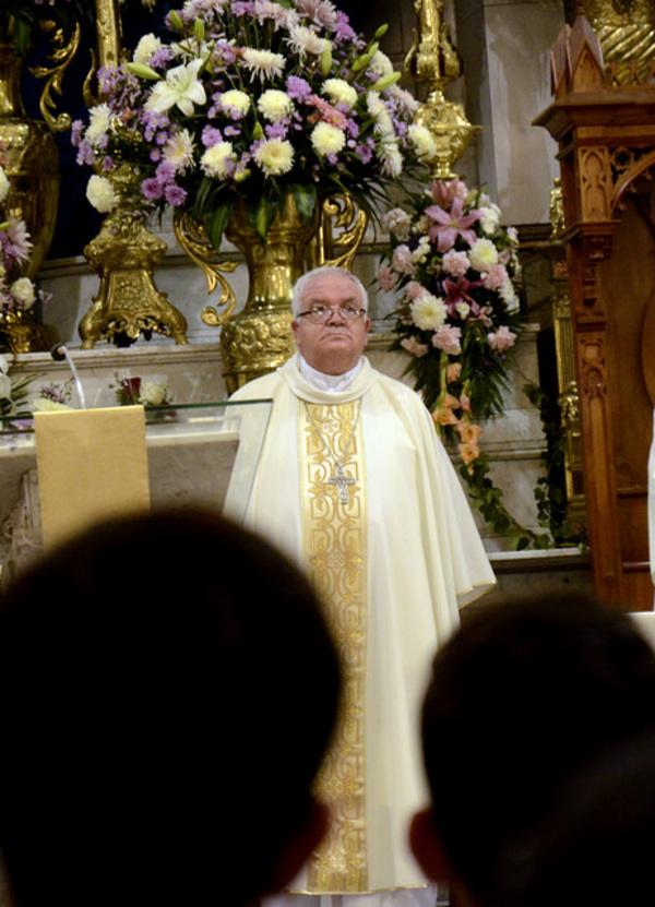 Que tomen medidas para no dejar ir a sacerdotes imputados