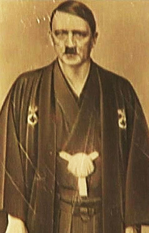 La nueva foto comprometedora de Hitler
