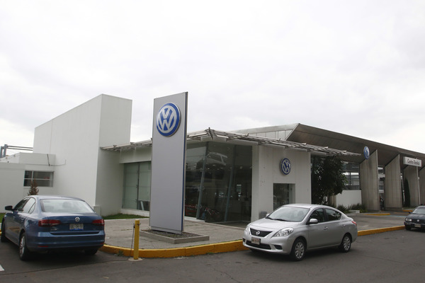 """Golpea"" a 9 mil obreros de 30 proveedoras paro técnico en VW"