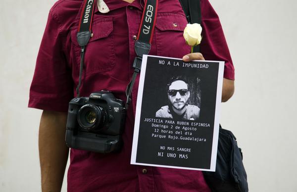 Desaparecen 2 periodistas al año en México desde 2003: Artículo 19