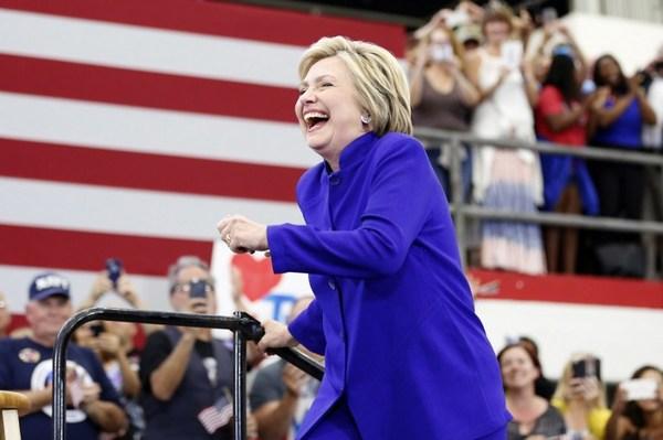 """""""Supermartes"""": medios de EE. UU. dan victoria a Hillary Clinton"""