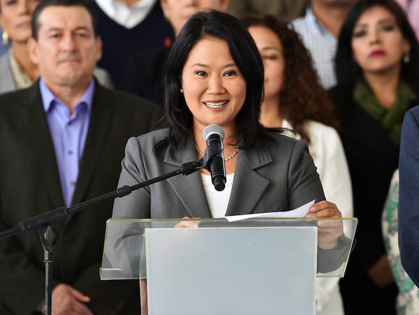 Fiscales allanan locales partidarios de Keiko Fujimori