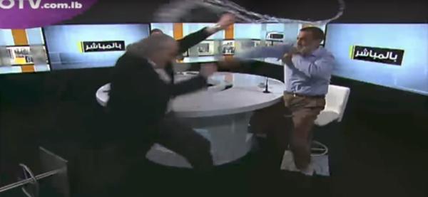 Un partidario de Assad y un opositor se lían a golpes en un debate