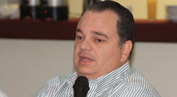 Acusa Labastida hijo sabotaje con reportajes