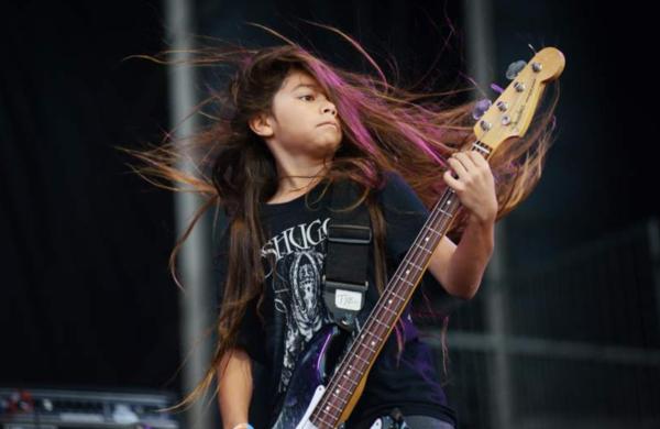 El nuevo bajista de Korn tiene 12 años