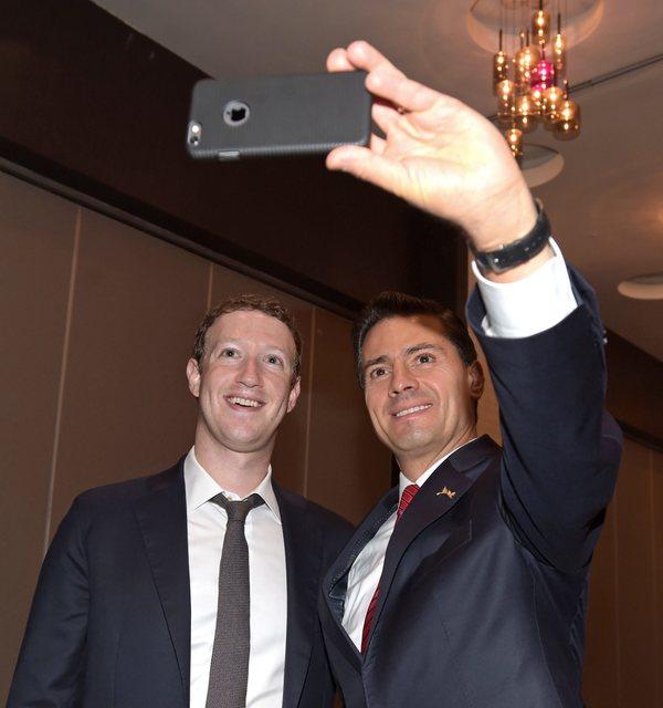 Peña Nieto se reúne con Mark Zuckerberg en Cumbre de las Américas