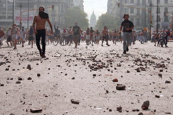 Nueva rebelión popular en Argentina: miles marchan contra Macri