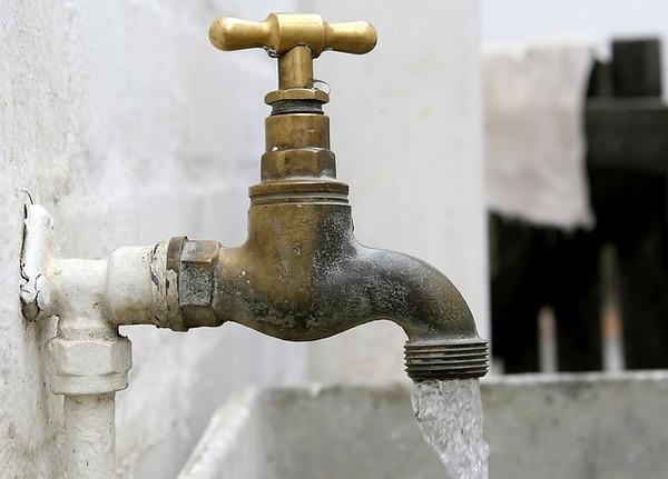 El agua potable en León es la más cara del país