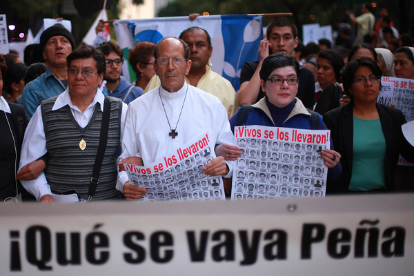 Detienen a 129 indocumentados en Chalco; Solalinde parte de Oaxaca con migrantes