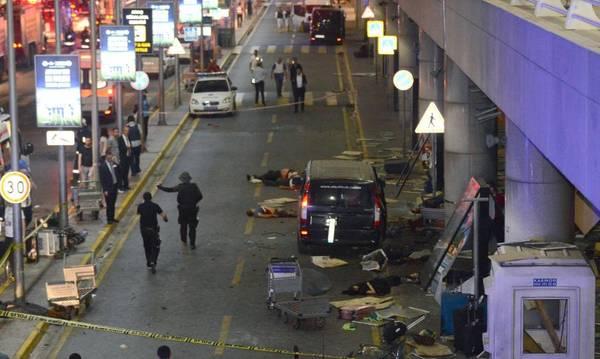 Apuntan al Ei por atentado en Estambul; hay más de 30 muertos