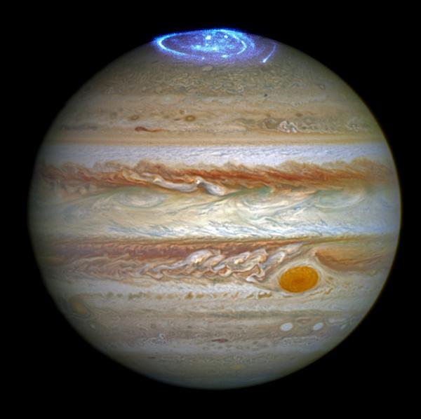 Impresionantes imágenes de auroras boreales en Júpiter