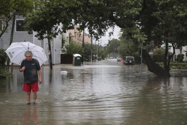 Trump derogó leyes sobre inundaciones previo a Harvey